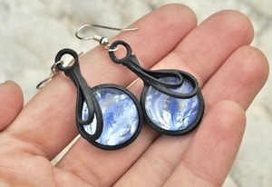 BLUE AND WHITE GLASS EARRINGS - FANTASY JEWELS{% if kategorie.adresa_nazvy[0] != zbozi.kategorie.nazev %} - JEWELLERY{% endif %}
