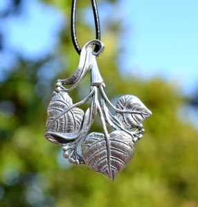 LIME LEAVES, SLAVIC TREE, PENDANT, SILVER 925, 10 G - PENDANTS - HISTORICAL JEWELRY{% if kategorie.adresa_nazvy[0] != zbozi.kategorie.nazev %} - JEWELLERY{% endif %}