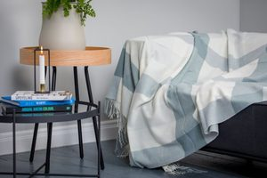AQUA BLOCK CHECK THROW, LAMBSWOOL - WOOLEN BLANKETS AND SCARVES, IRELAND{% if kategorie.adresa_nazvy[0] != zbozi.kategorie.nazev %} - WOOLEN PRODUCTS, IRELAND{% endif %}
