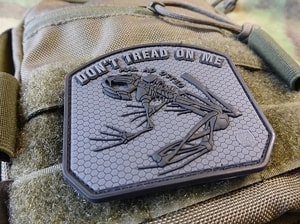 DON´T TREAD ON ME FROG, 3D BLACKOPS VELCRO PATCH - MILITARY PATCHES{% if kategorie.adresa_nazvy[0] != zbozi.kategorie.nazev %} - OUTDOOR SHOP{% endif %}