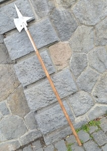 HALBERD WITH CROSS, REPLICA OF A TWO-HANDED POLE WEAPON - AXES, POLEWEAPONS{% if kategorie.adresa_nazvy[0] != zbozi.kategorie.nazev %} - WEAPONS - SWORDS, AXES, KNIVES{% endif %}