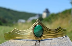 GRACIA - MEDIEVAL GOTHIC CROWN WITH MALACHITE - TIARAS, CROWNS{% if kategorie.adresa_nazvy[0] != zbozi.kategorie.nazev %} - SHOES, COSTUMES{% endif %}