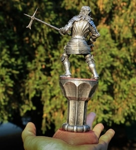 KNIGHT WITH A HAMMER, 15TH CENTURY, TIN FIGURE - PEWTER FIGURES{% if kategorie.adresa_nazvy[0] != zbozi.kategorie.nazev %} - TIN FIGURES, GOBLETS{% endif %}