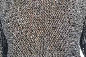 CHAINMAIL SHIRT - HAUBERK, RIVETED, 8 MM, SHORT SLEEVES, CHEST SIZE 150 CM - CHAIN MAIL ARMOUR{% if kategorie.adresa_nazvy[0] != zbozi.kategorie.nazev %} - ARMOUR HELMETS, SHIELDS{% endif %}