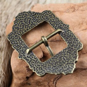 ALBA SCOTTISH BELT BUCKLE WITH THISTLE ANT. BRASS - BELT ACCESSORIES{% if kategorie.adresa_nazvy[0] != zbozi.kategorie.nazev %} - LEATHER PRODUCTS{% endif %}