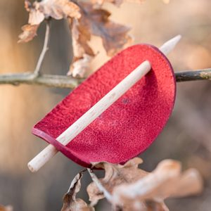 PLATAN LEATHER HAIR CLIP, RED - HAIR CLIPS, ACCESSORIES, JEWELLERY{% if kategorie.adresa_nazvy[0] != zbozi.kategorie.nazev %} - LEATHER PRODUCTS{% endif %}