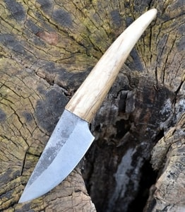 GUDRUN, ANTLER, FORGED SMALL KNIFE - KNIVES{% if kategorie.adresa_nazvy[0] != zbozi.kategorie.nazev %} - WEAPONS - SWORDS, AXES, KNIVES{% endif %}