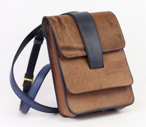 DONAN MEN'S LEATHER BAG - BAGS, SPORRANS{% if kategorie.adresa_nazvy[0] != zbozi.kategorie.nazev %} - LEATHER PRODUCTS{% endif %}