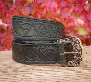 VINUM, GOKSTAD BELT, GREEN, LEATHER - BELTS{% if kategorie.adresa_nazvy[0] != zbozi.kategorie.nazev %} - LEATHER PRODUCTS{% endif %}