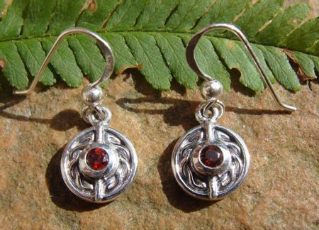 RED EYES, celtic earrings, Ag 925