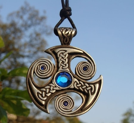 THREE SPIRALS OF LIFE, pendant