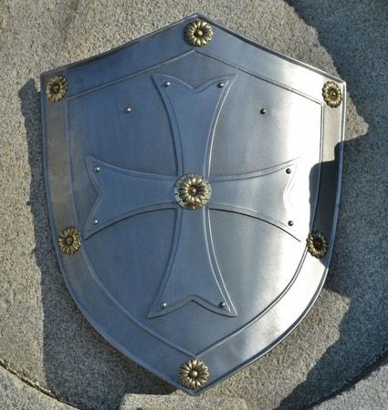 Templar Decorative Shield With The Cross Wulflund Com