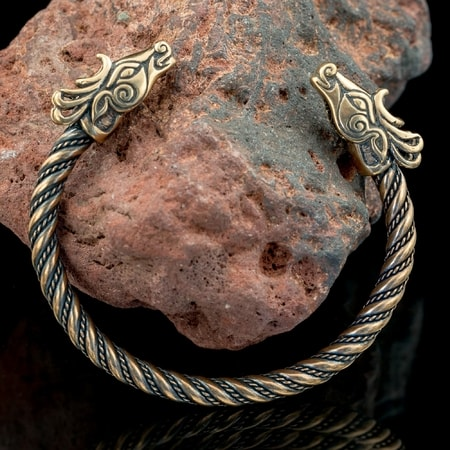 max Attractive And Durable Ancient Bronze Hand Bracelet