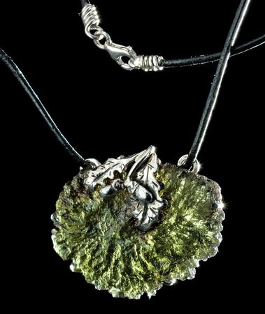 Oak leaf | Moldavite | Necklace