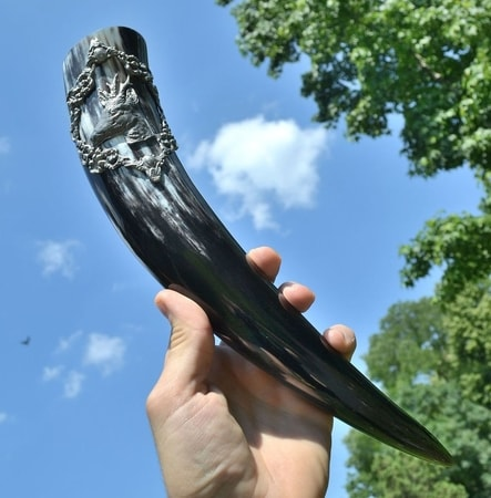 DRINKING HORN WITH A ROE DEER