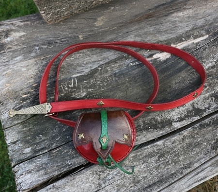 FLEUR DE LIS, medieval pouch with belt, red