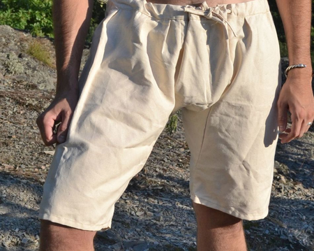 HISTORICAL SHORT TROUSERS