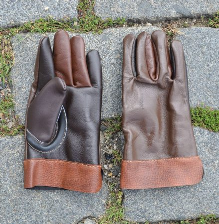 HISTORICAL LEATHER GLOVES, brown, smaller