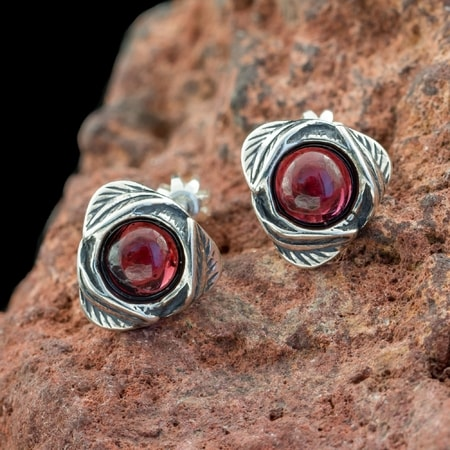 ETAIN, Earrings, Garnet, Silver