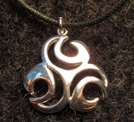 THREE LUNULAS, silvered necklace