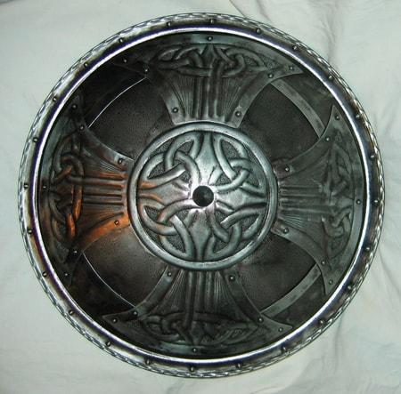 CELTICA, round decorative shield - wulflund.com