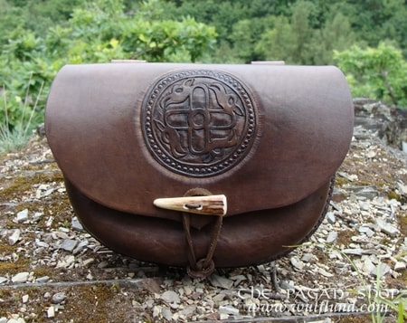 BELT BAG WITH HAND CARVED ZOOMORPHIC PATTERN