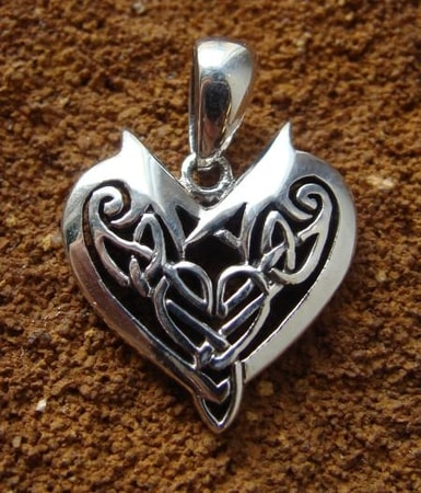 CELTIC HEARTH silver talisman - PT-3515