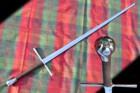 HELIOT, practise long sword