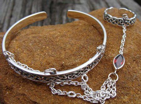 Slave Bracelet With Garnet Silver 925 26 G
