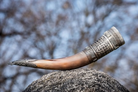 HIBERNIA, luxury engraved drinking horn