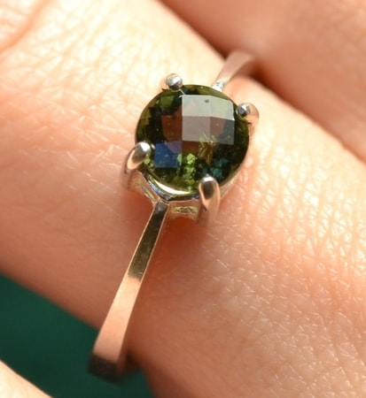 SILVER RING WITH MOLDAVITE, Ag 925