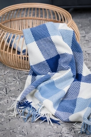 VINTAGE DUBLIN CHECK, Woolllen throw, blue and white