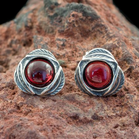 MOLLY, Earrings, Garnet, Silver