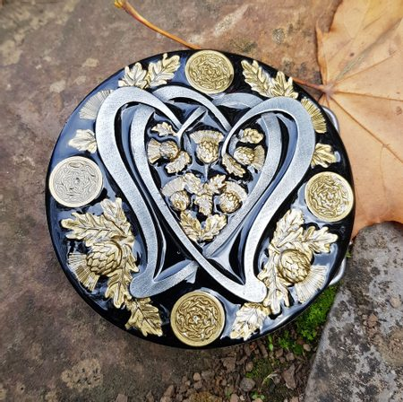 SCOTTISH THISTLE, BELT BUCKLE - BLACK AND GOLD