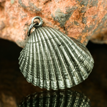SHELL, PEWTER PENDANT