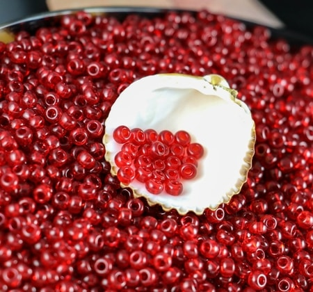 Czech Rocaille Seed Beads RED 10/0