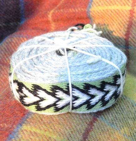 Viking, Slavic, Celtic, Tablet Woven Belt, White Arrows, tabletweaving