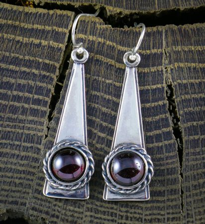 Garnet, earrings, silver - TRIANGLE