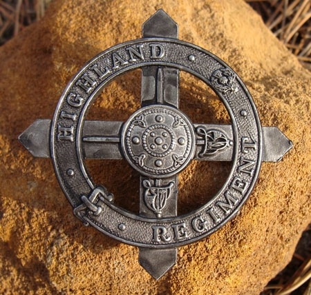 HIGHLAND REGIMENT BADGE