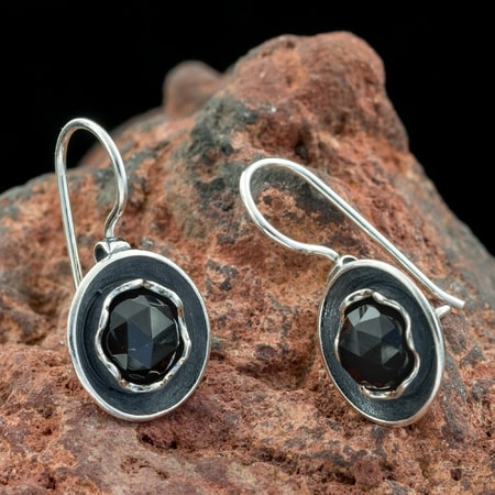 MORRÍGAN, Earrings, Onyx, Silver