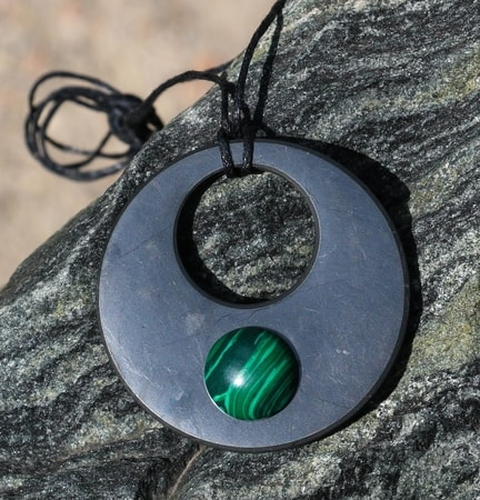 SHUNGITE and malachite necklace