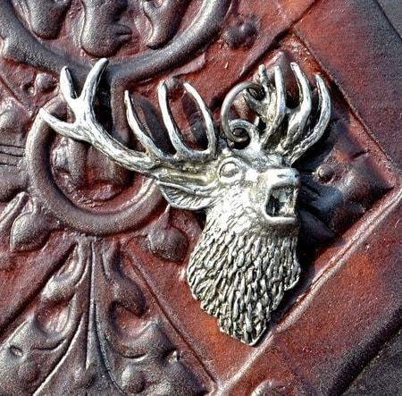 DEER PENDANT, metal