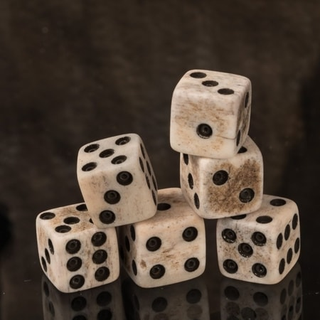 GAMING DICE, BONE, 1 PIECE