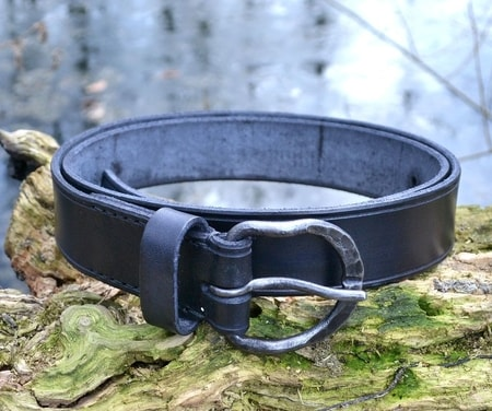 LEATHER BELT WITH FORGED BUCKLE, BLACK