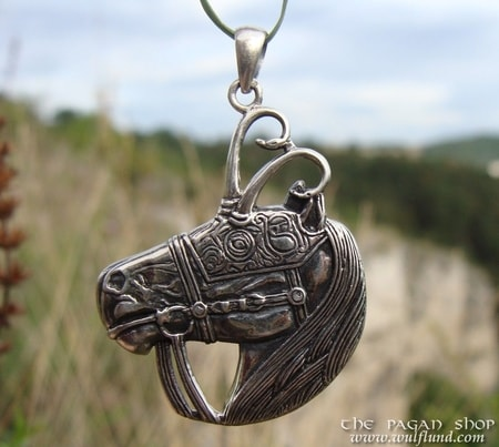 CELTIC WARRIOR HORSE pendant - DPT-973
