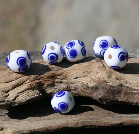 Celtic Glass Bead, wite, replica