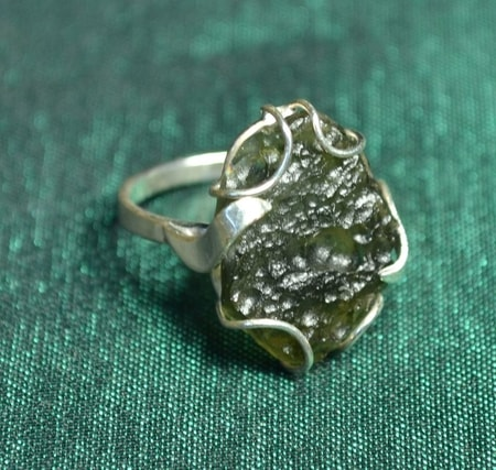 SILVER RING, RAW MOLDAVITE, AG 925