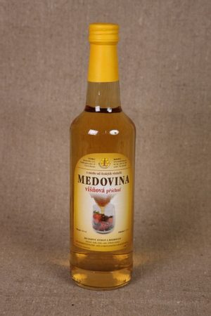 MEAD with cherry aroma
