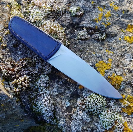 LOGAN DESIGNER KNIFE WITH LEATHER GRIP AND SHEATH, BLUE