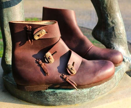 how to make viking shoes